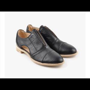 NIB All Black Cutout Cowman Shoe